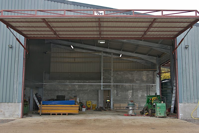hydroswing europe uk agricultural ag storage building hydraulic doors
